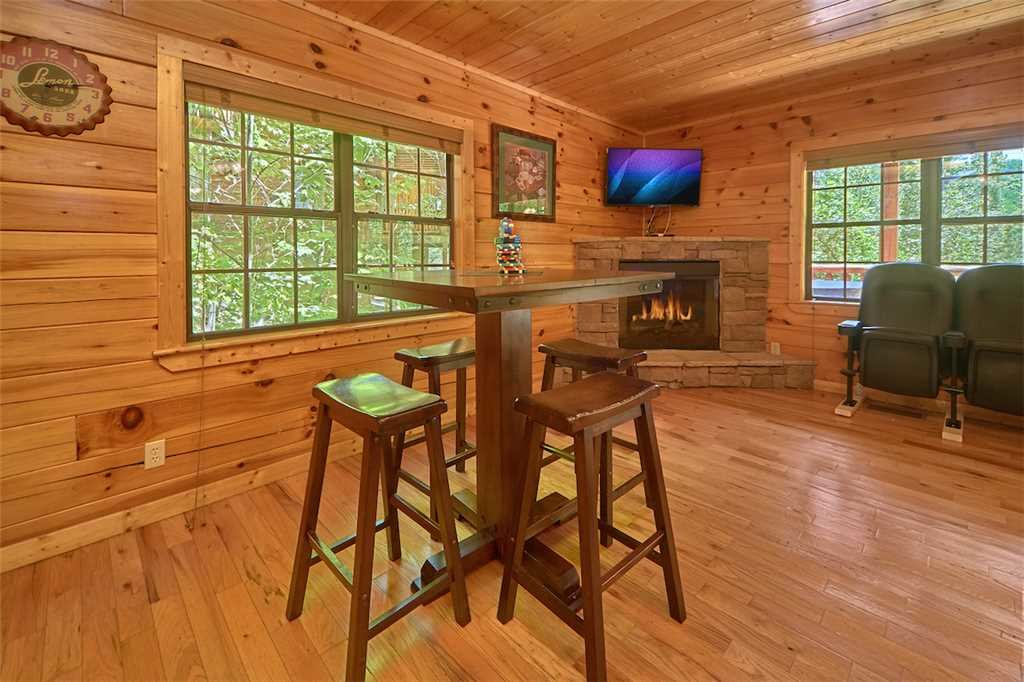 Photo of a Pigeon Forge Cabin named Smoky Mountain Hideaway - This is the thirteenth photo in the set.
