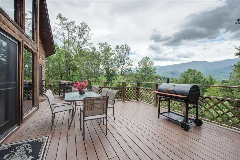 Photo of a Gatlinburg Cabin named Emerald View - This is the twenty-second photo in the set.