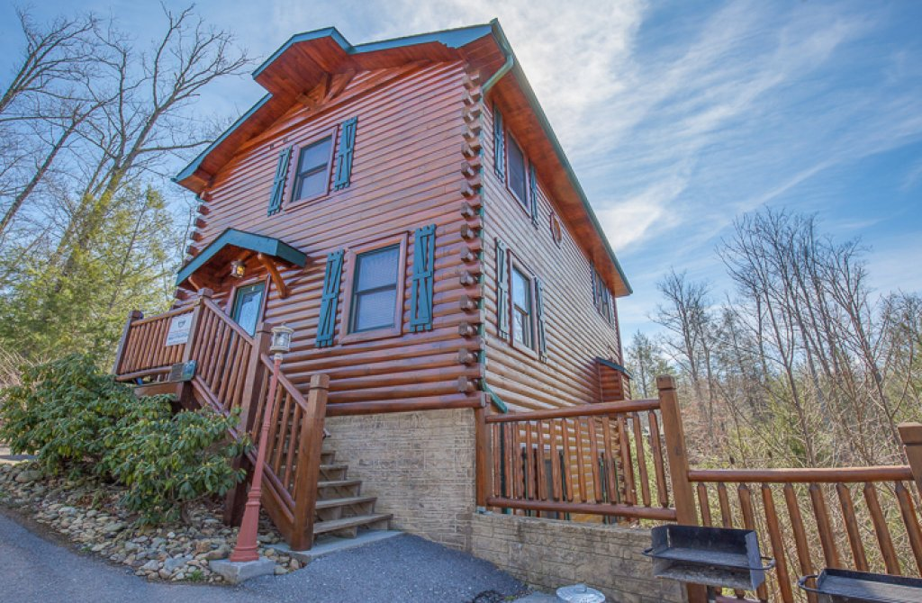 Photo of a Gatlinburg Cabin named Standing Bear Lodge - This is the twenty-seventh photo in the set.