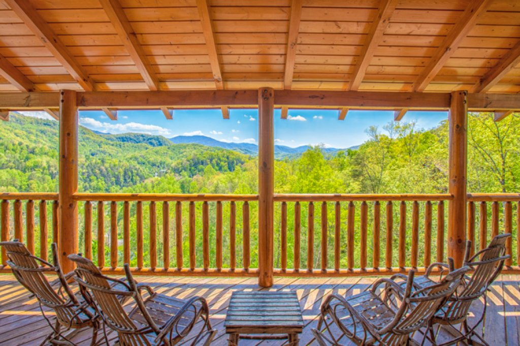 Photo of a Gatlinburg Cabin named Destiny's Heaven - This is the first photo in the set.