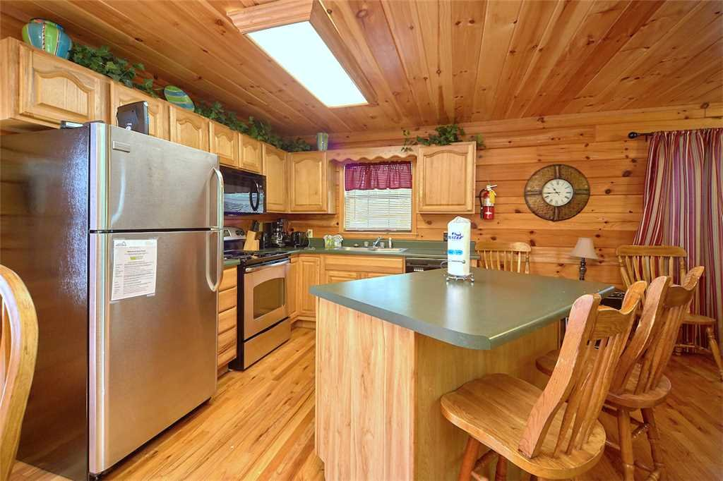 Photo of a Pigeon Forge Cabin named Good Times - This is the eighth photo in the set.