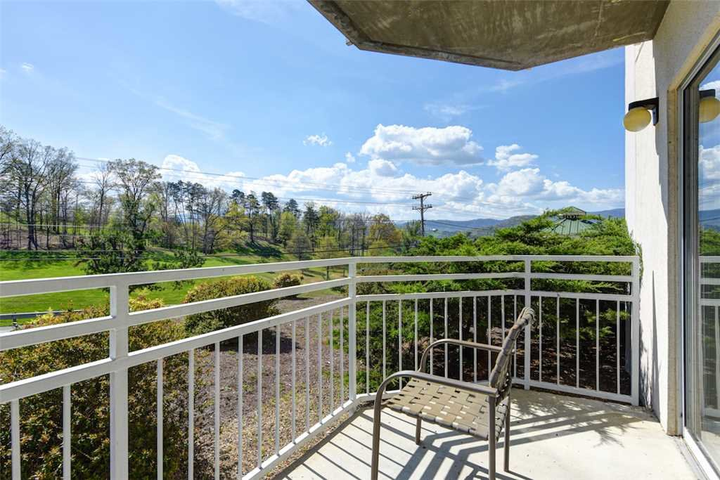 Photo of a Pigeon Forge Condo named Golf Vista 111 - This is the second photo in the set.