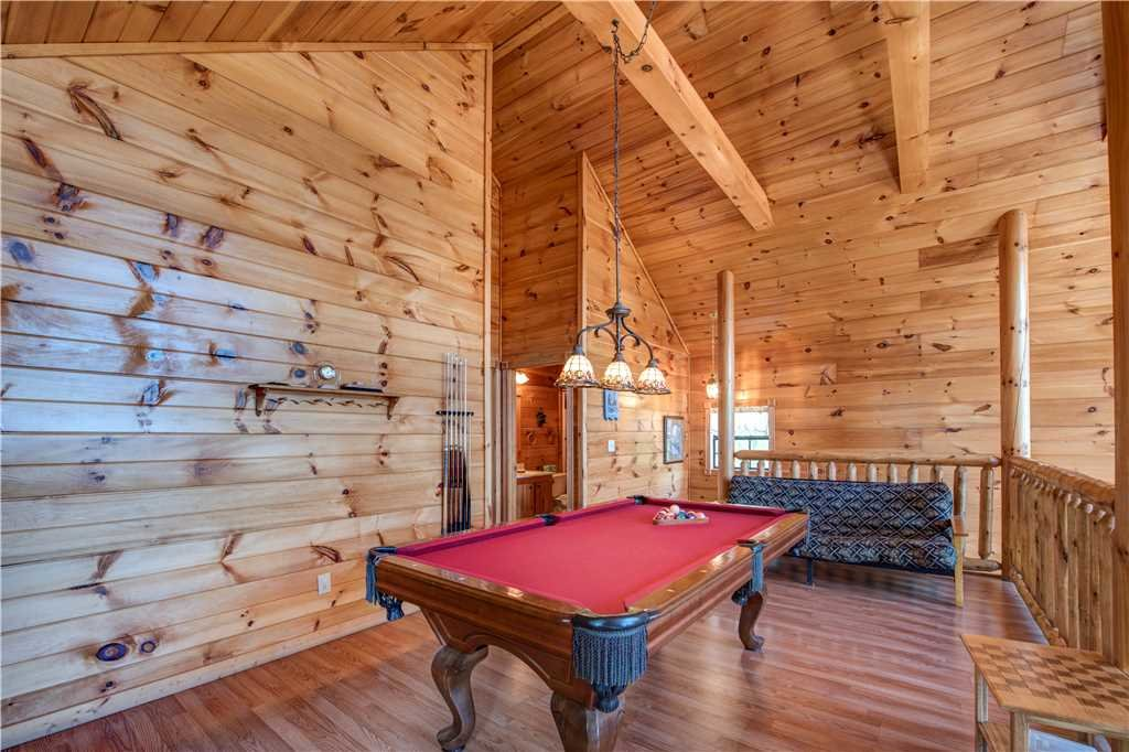 Photo of a Pigeon Forge Cabin named R Bearadise - This is the tenth photo in the set.