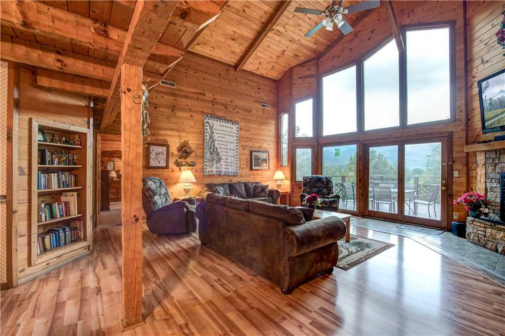 Emerald view cabin in gatlinburg w 3 br sleeps14 for Nuvola 9 cabin gatlinburg