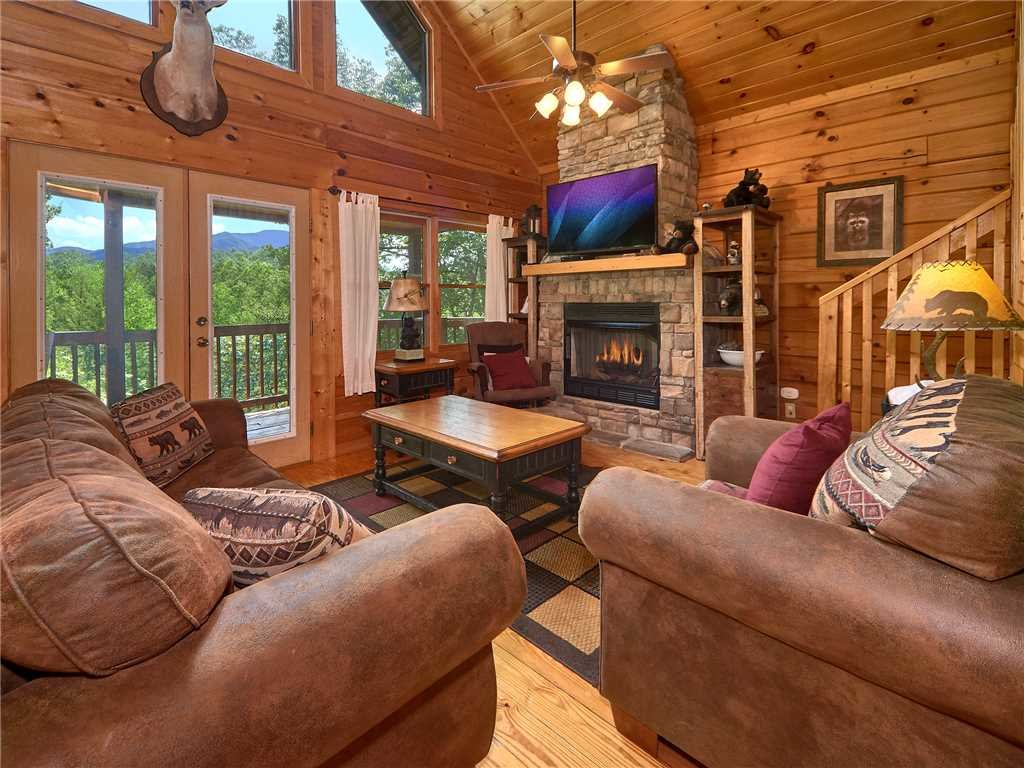 Photo of a Gatlinburg Cabin named Dew South - This is the first photo in the set.