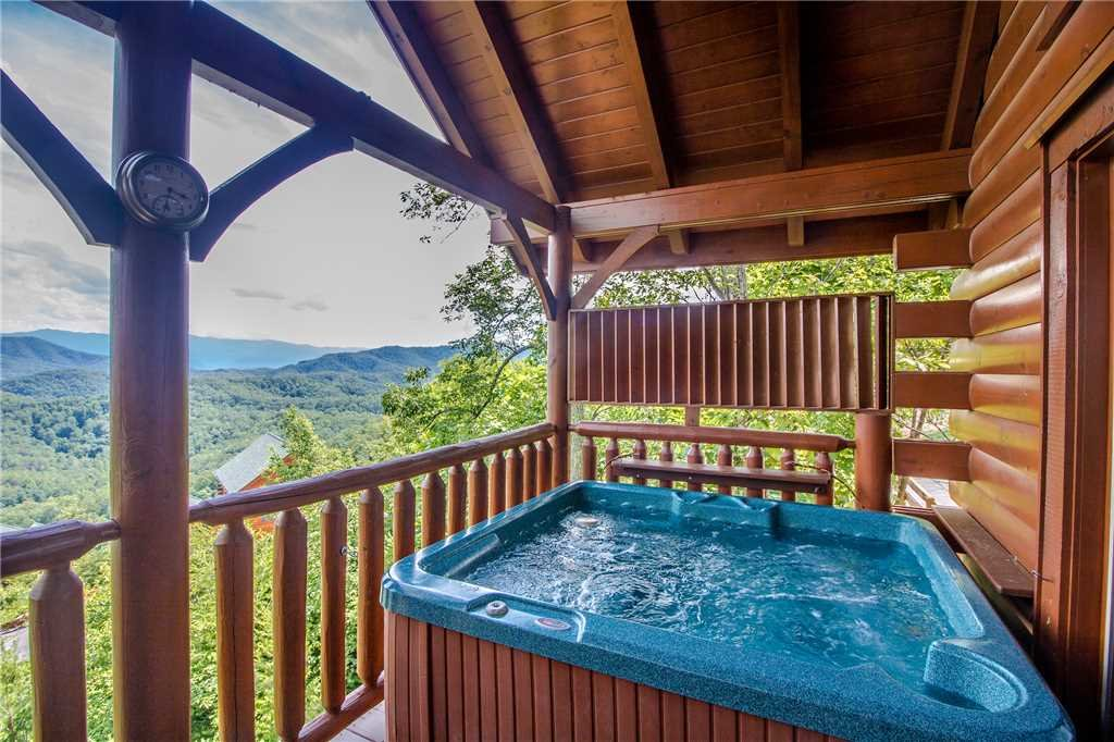 Photo of a Pigeon Forge Cabin named Romantic Views - This is the second photo in the set.