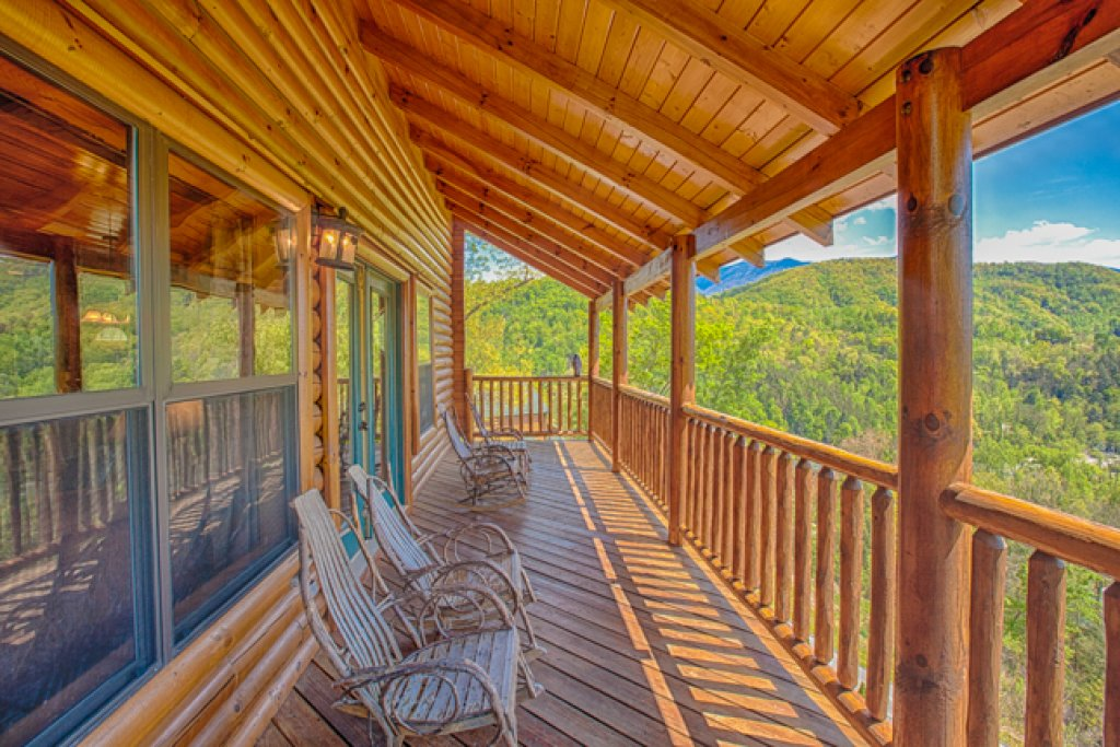 Photo of a Gatlinburg Cabin named Destiny's Heavenly View - This is the eighteenth photo in the set.