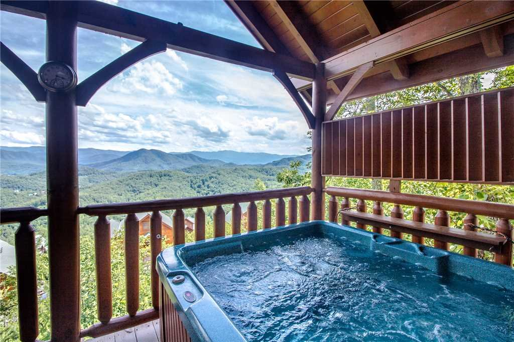 Photo of a Pigeon Forge Cabin named Romantic Views - This is the nineteenth photo in the set.