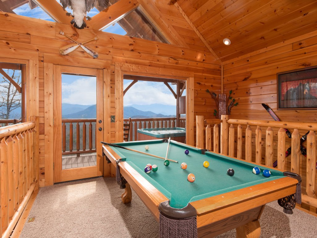 Photo of a Pigeon Forge Cabin named Romantic Views - This is the eighth photo in the set.
