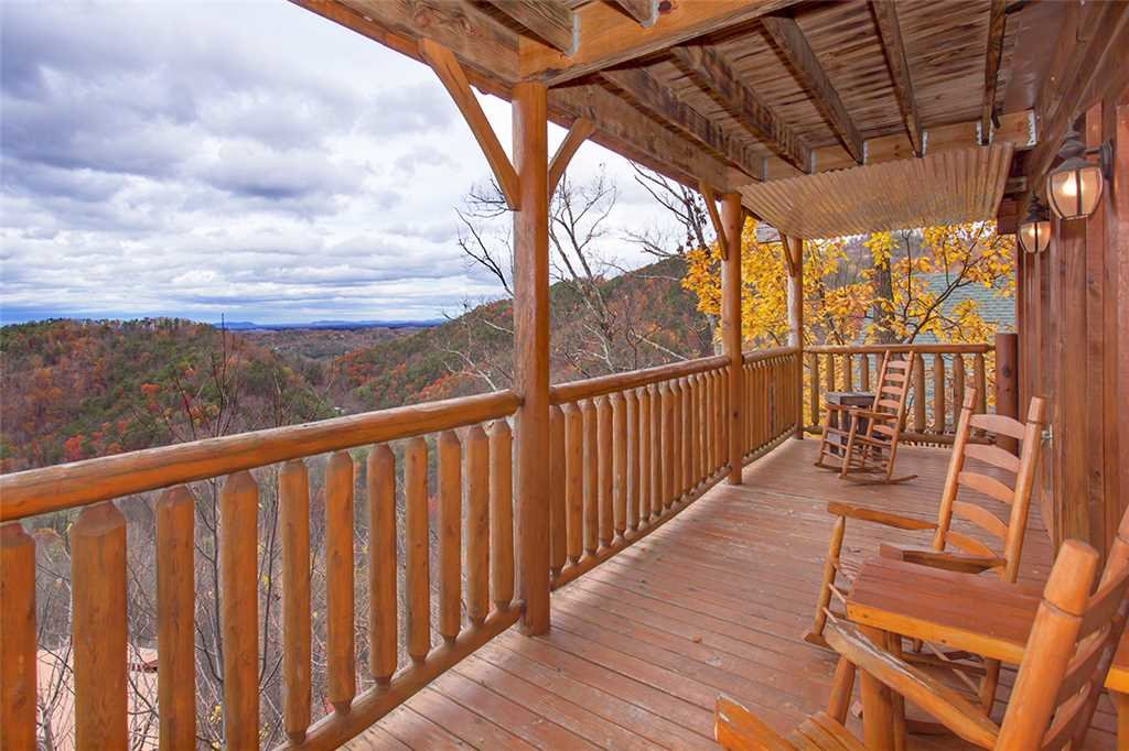 Photo of a Pigeon Forge Cabin named A Walk In The Clouds - This is the twenty-first photo in the set.