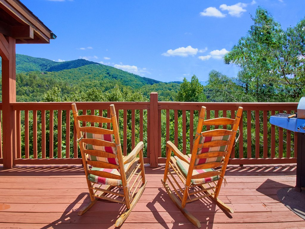 Photo of a Sevierville Cabin named A Majestic View Iii - This is the third photo in the set.