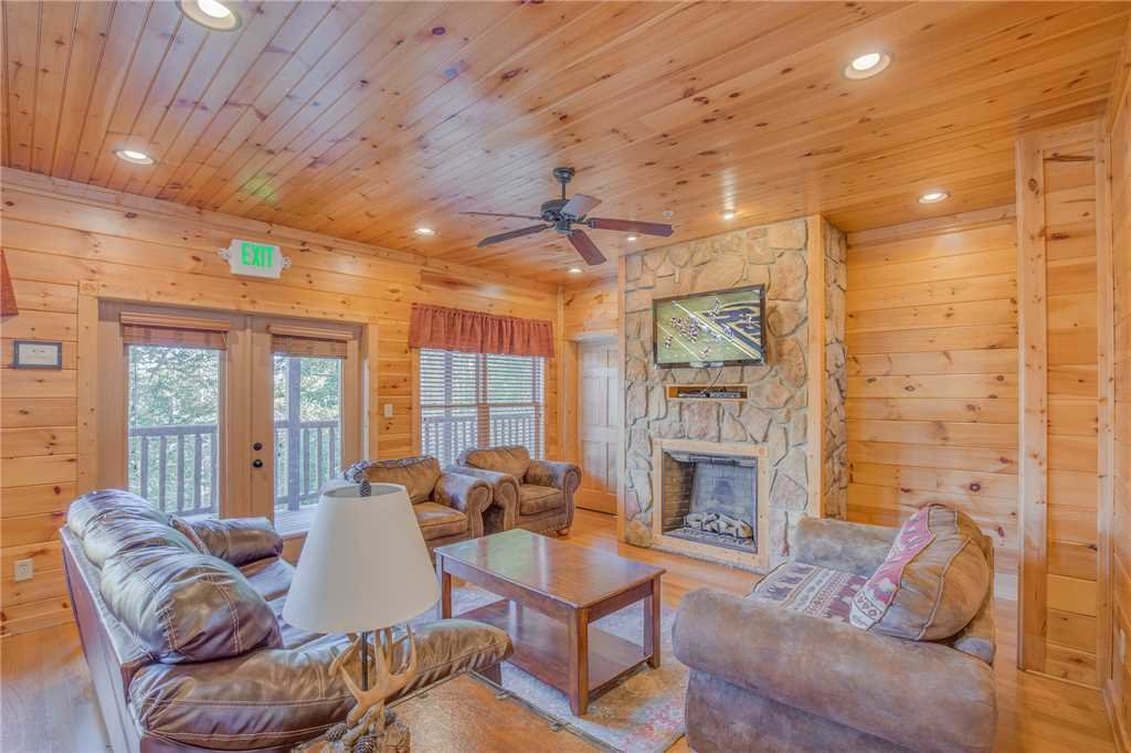 Photo of a Gatlinburg Cabin named Big Sky Lodge Ii - This is the third photo in the set.