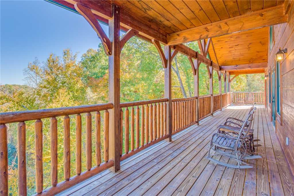 Photo of a Gatlinburg Cabin named Big Sky Lodge Ii - This is the fifth photo in the set.