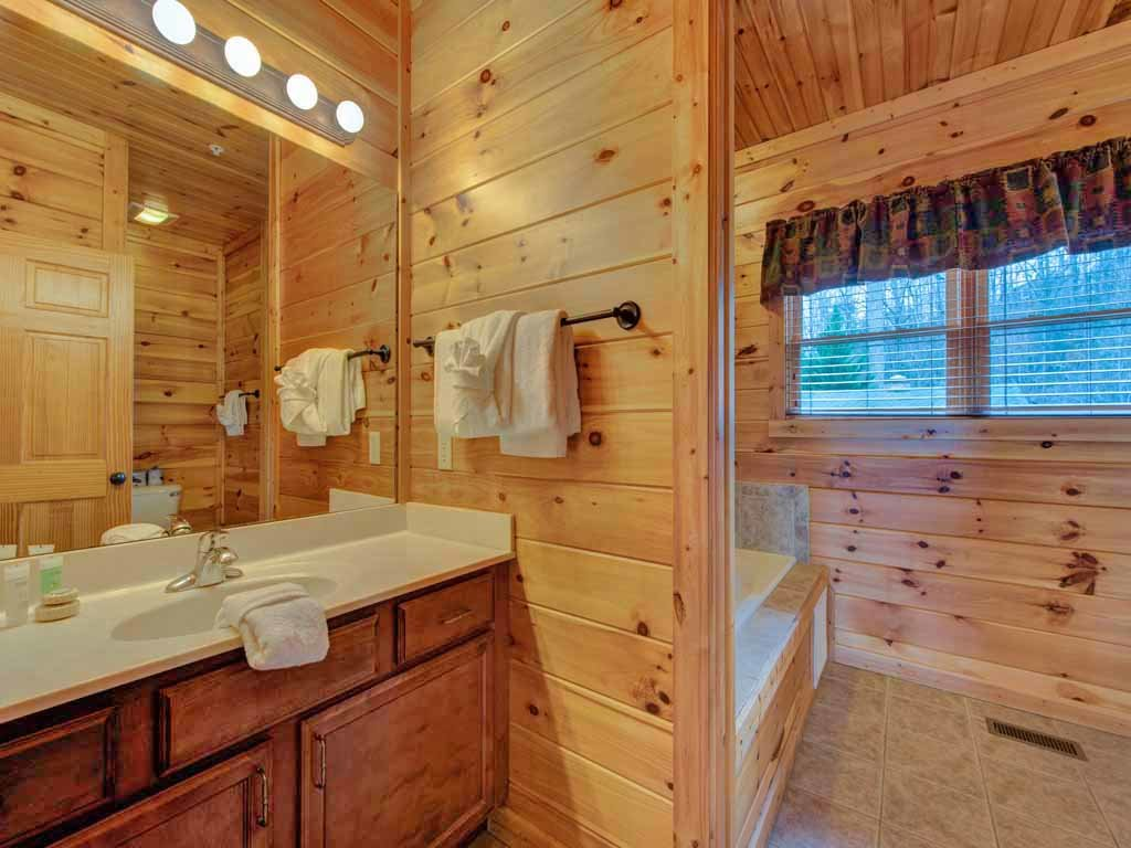 Photo of a Gatlinburg Cabin named Big Sky Lodge Ii - This is the fifteenth photo in the set.