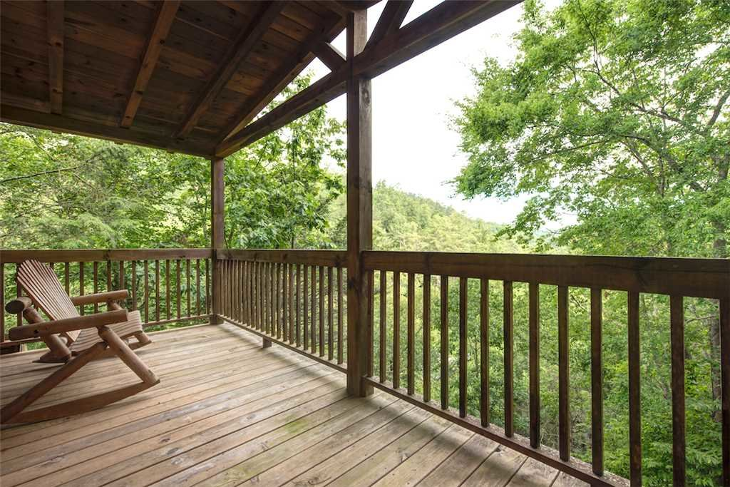 Photo of a Pigeon Forge Cabin named Whispering Secrets - This is the third photo in the set.