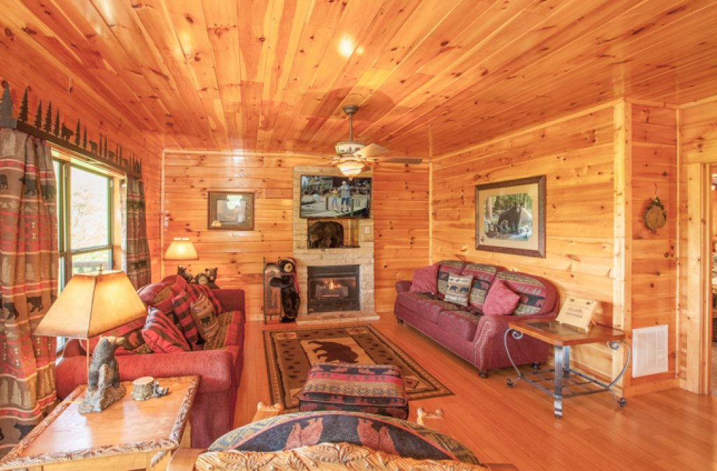 Photo of a Gatlinburg Cabin named Destiny's Heavenly View - This is the third photo in the set.