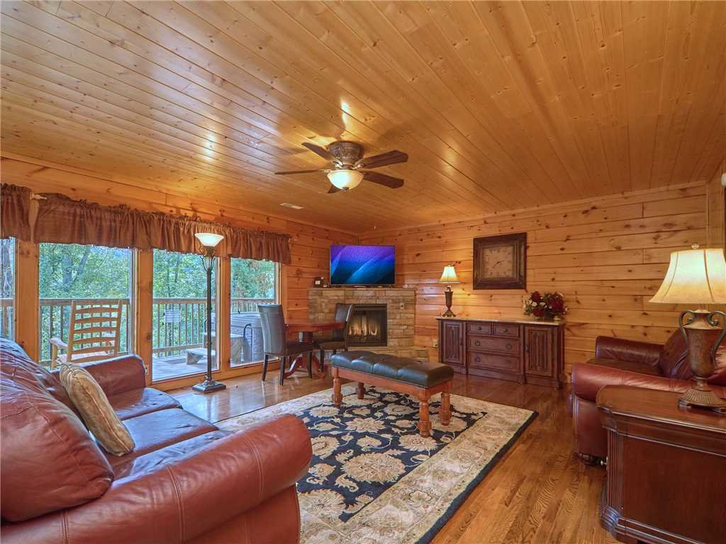 Photo of a Pigeon Forge Cabin named Hidden Springs Lodge - This is the first photo in the set.