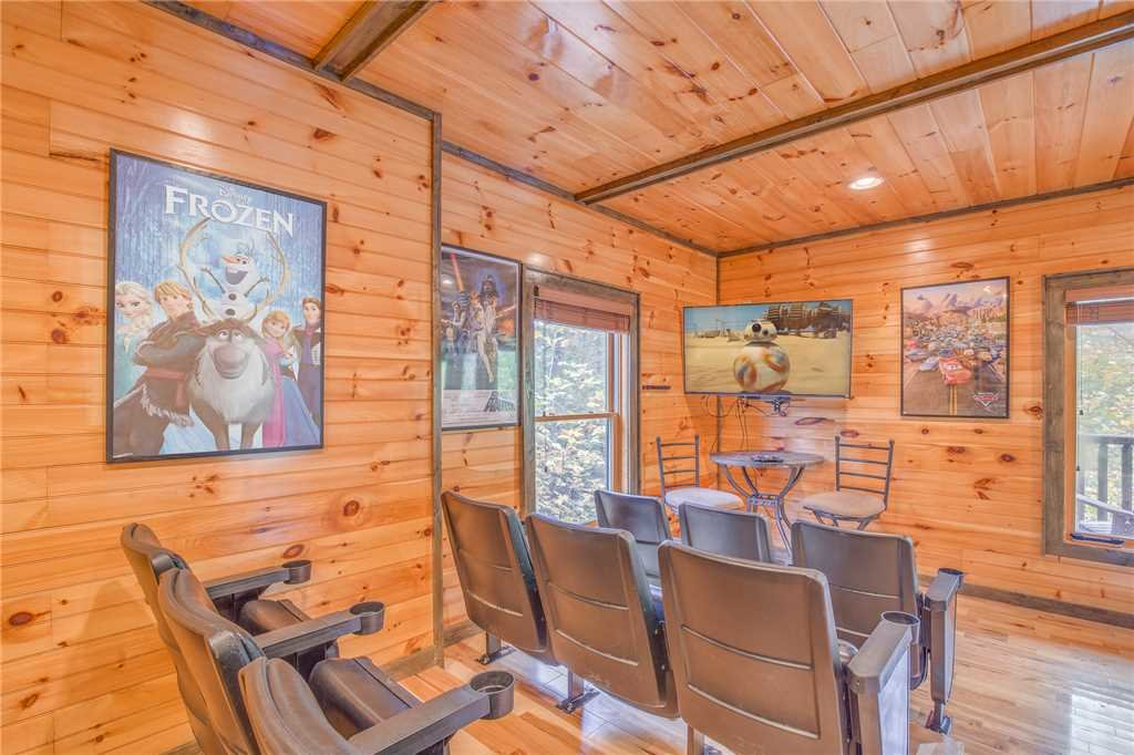 Photo of a Gatlinburg Cabin named Standing Bear Lodge - This is the ninth photo in the set.