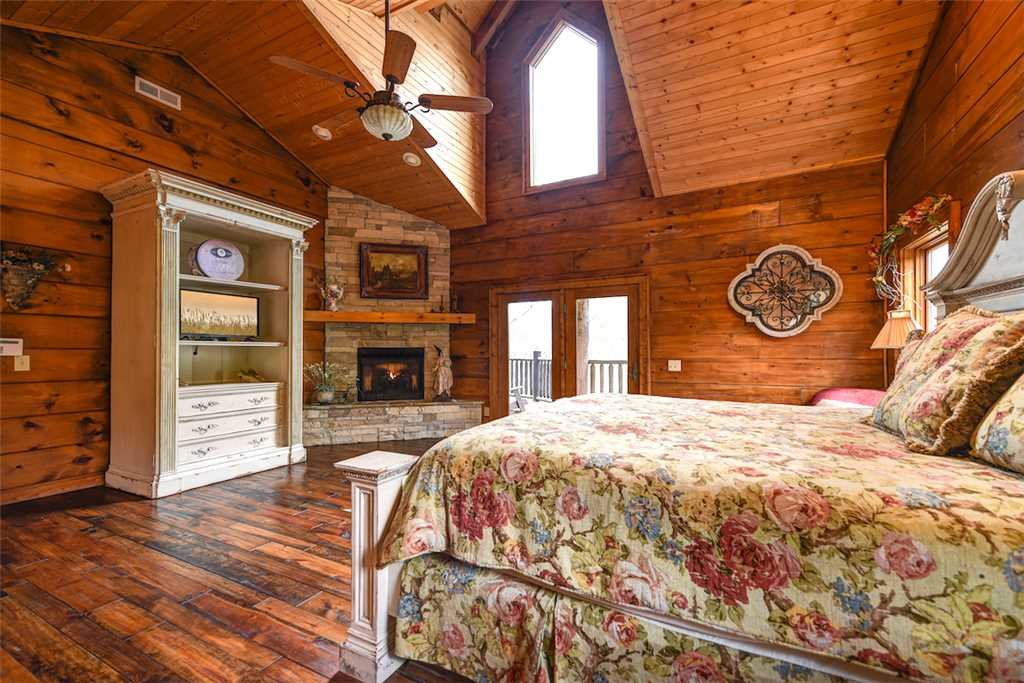 Photo of a Pigeon Forge Cabin named Timberstone - This is the sixteenth photo in the set.