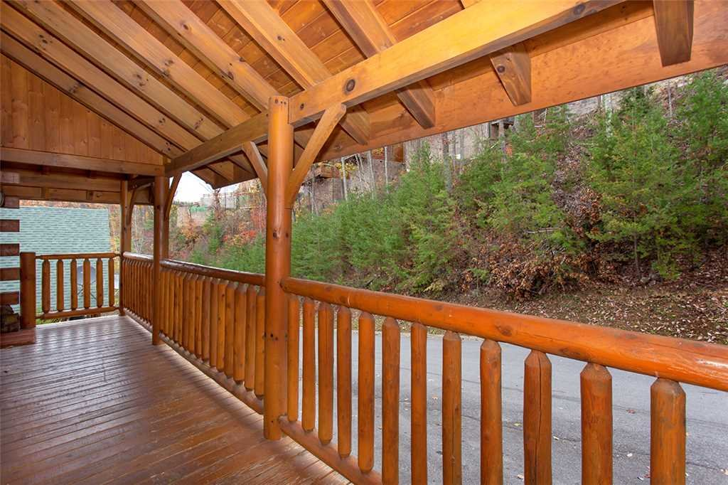 Photo of a Pigeon Forge Cabin named A Walk In The Clouds - This is the twenty-third photo in the set.