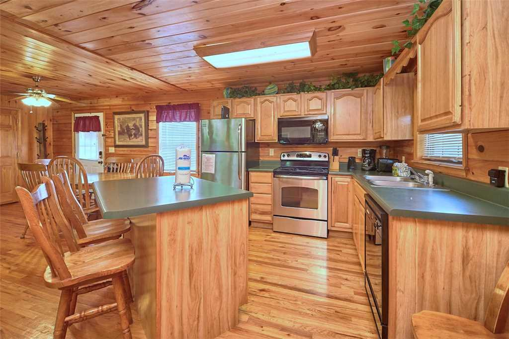 Photo of a Pigeon Forge Cabin named Good Times - This is the seventh photo in the set.