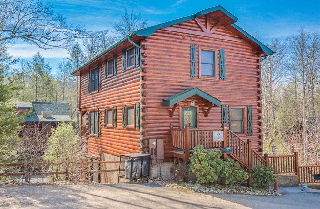 Photo of a Gatlinburg Cabin named Standing Bear Lodge - This is the twenty-ninth photo in the set.