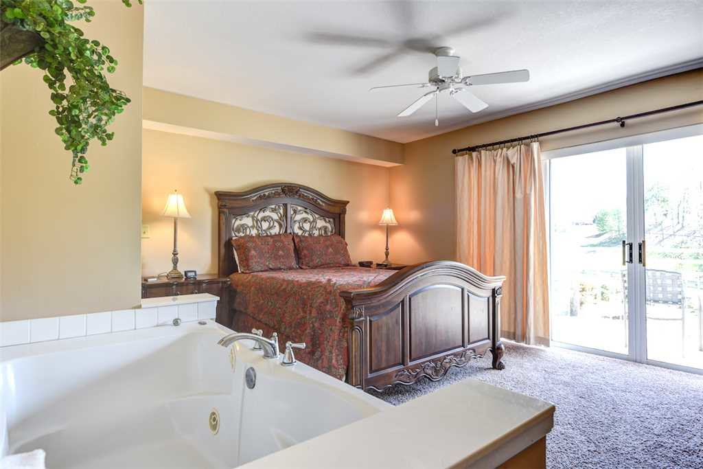 Photo of a Pigeon Forge Condo named Golf Vista 111 - This is the twelfth photo in the set.