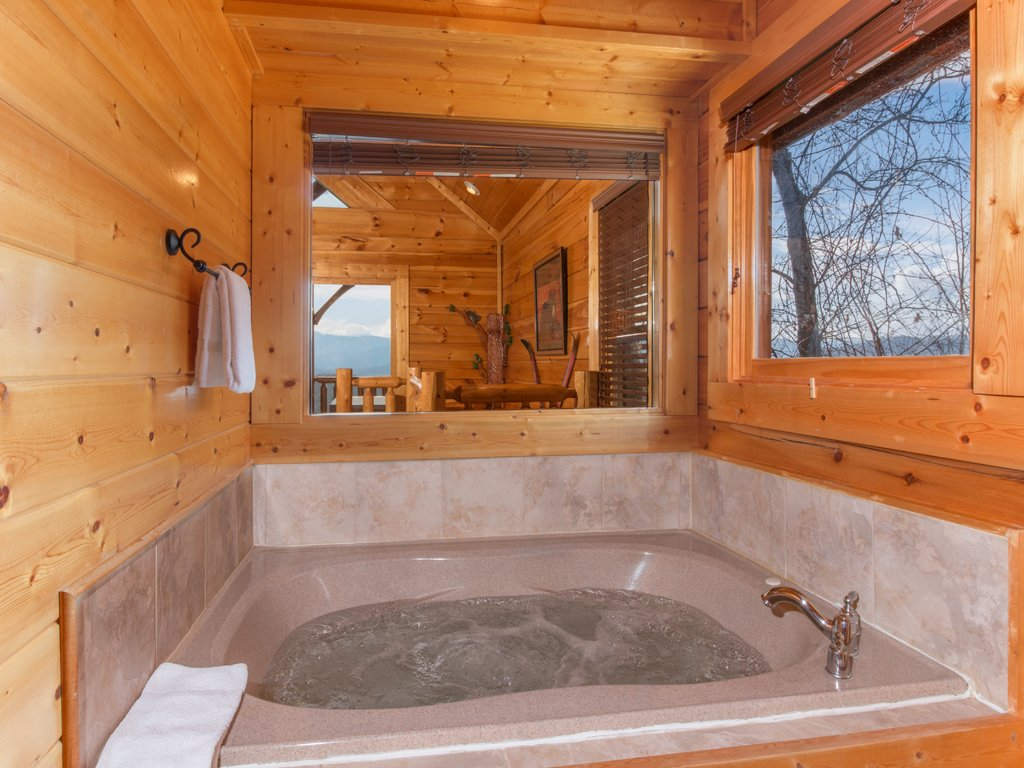 Photo of a Pigeon Forge Cabin named Romantic Views - This is the twelfth photo in the set.