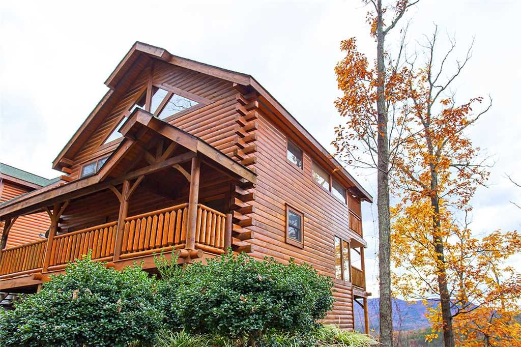 Photo of a Pigeon Forge Cabin named A Walk In The Clouds - This is the twenty-fifth photo in the set.