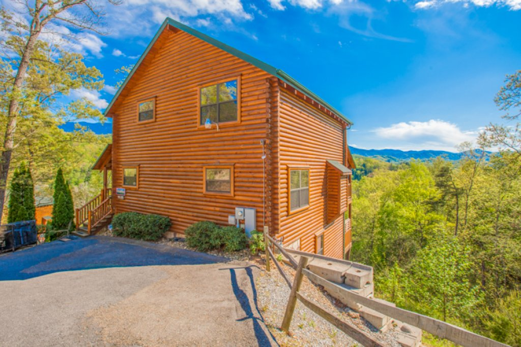 Photo of a Gatlinburg Cabin named Destiny's Heavenly View - This is the seventeenth photo in the set.