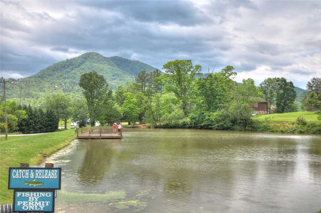 Photo of a Pigeon Forge Cabin named Romantic Views - This is the twenty-eighth photo in the set.