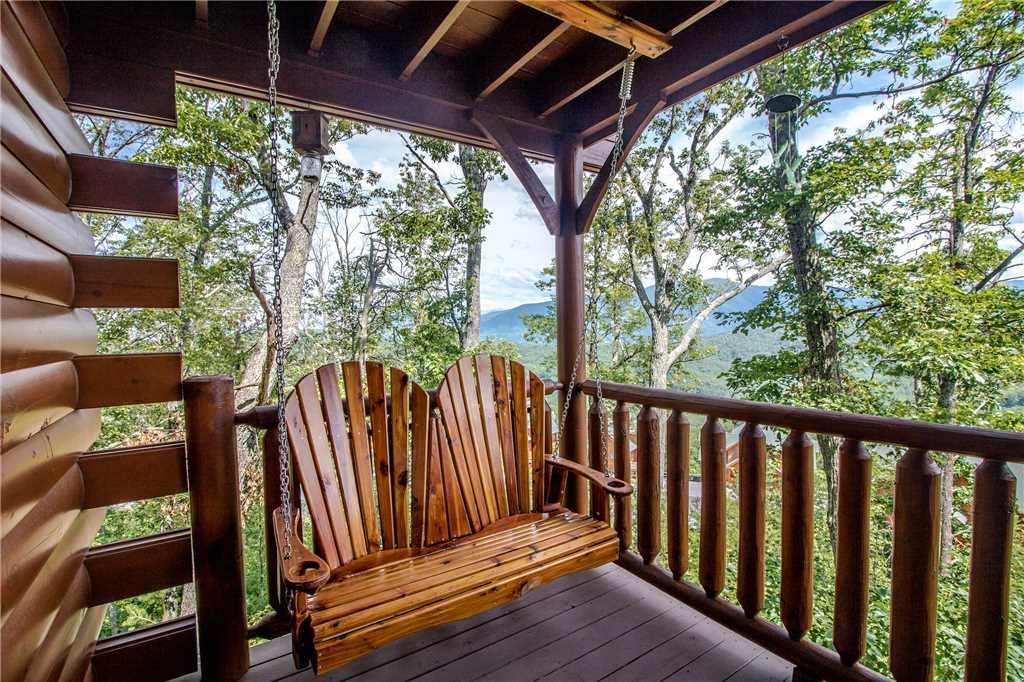 Photo of a Pigeon Forge Cabin named Romantic Views - This is the third photo in the set.