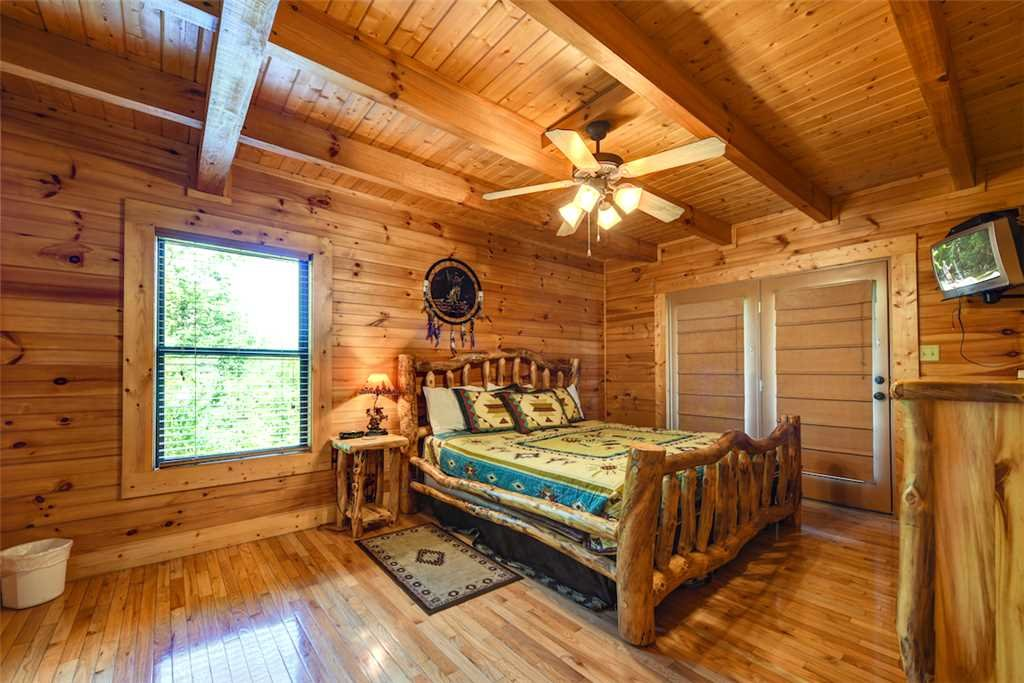 Photo of a Sevierville Cabin named A Majestic View Iii - This is the thirteenth photo in the set.