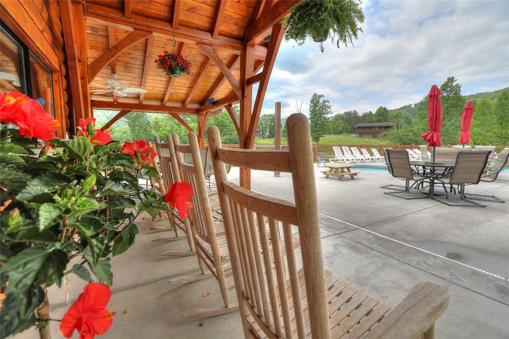 Photo of a Pigeon Forge Cabin named Romantic Views - This is the twenty-ninth photo in the set.