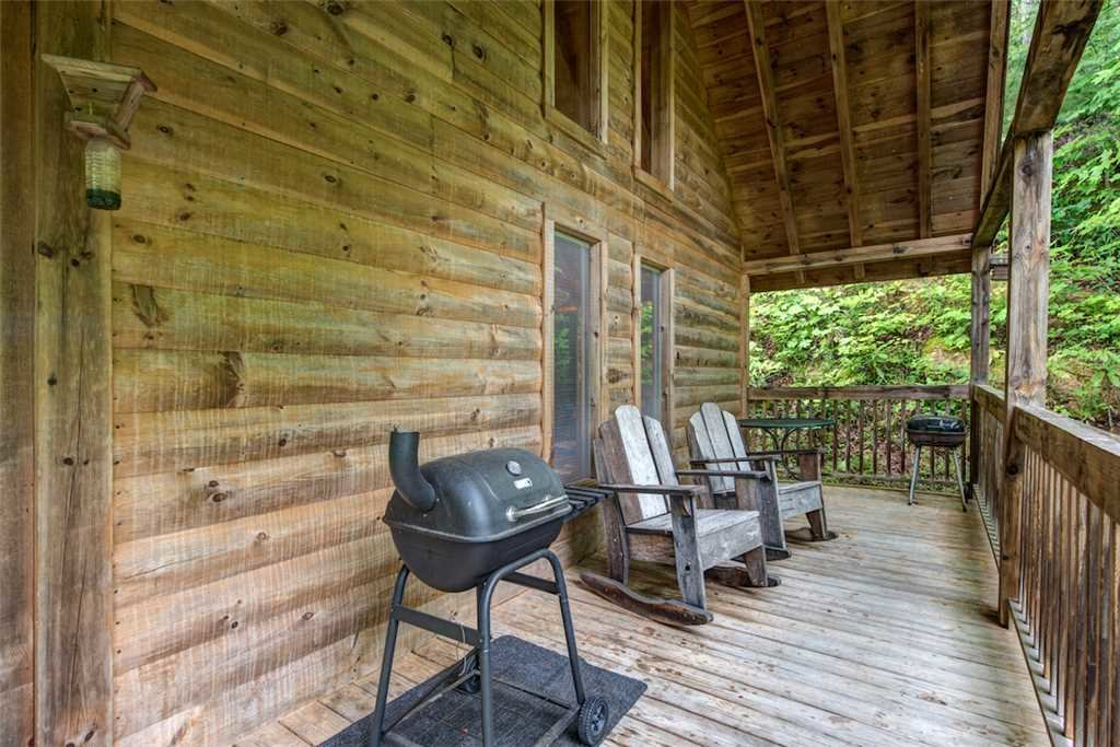 Photo of a Pigeon Forge Cabin named Whispering Secrets - This is the fourteenth photo in the set.