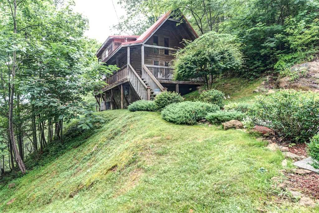 Photo of a Pigeon Forge Cabin named Whispering Secrets - This is the seventeenth photo in the set.