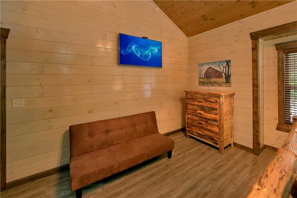 Photo of a Pigeon Forge Cabin named Aqua Dream'in Retreat - This is the eleventh photo in the set.