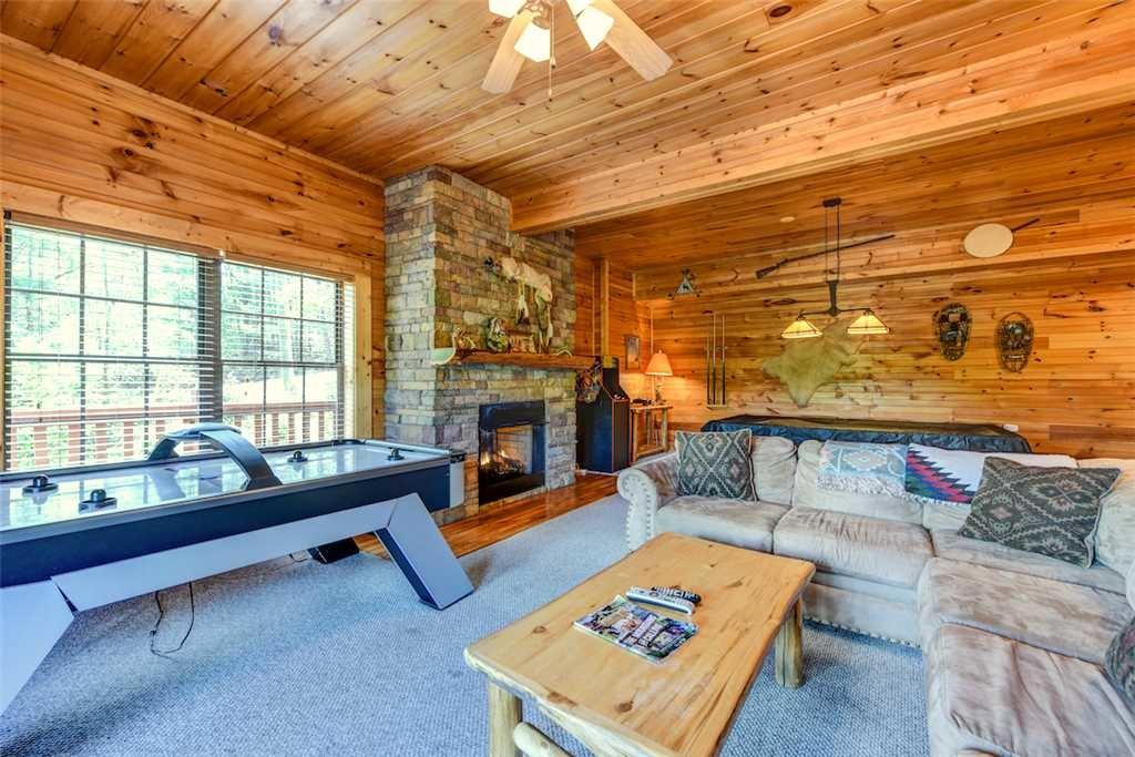 Photo of a Sevierville Cabin named A Majestic View Iii - This is the ninth photo in the set.