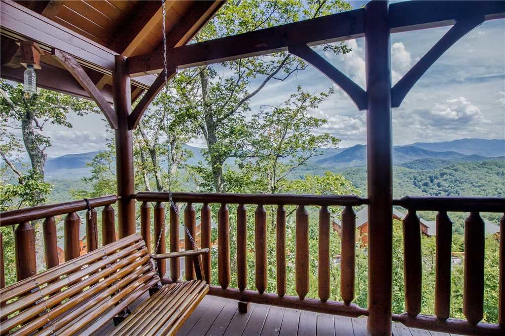 Photo of a Pigeon Forge Cabin named Romantic Views - This is the twenty-second photo in the set.