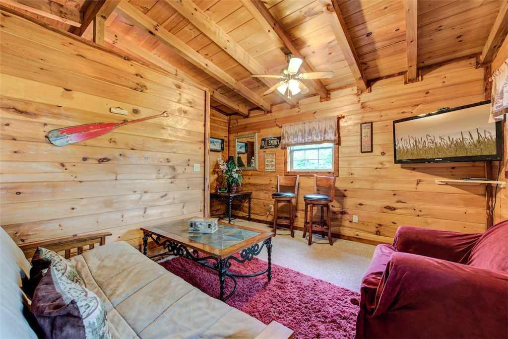 Photo of a Pigeon Forge Cabin named Whispering Secrets - This is the eighth photo in the set.