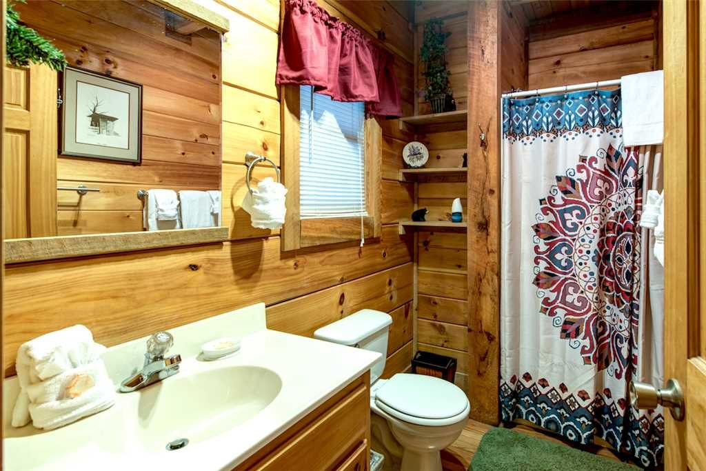 Photo of a Pigeon Forge Cabin named Wild At Heart - This is the tenth photo in the set.