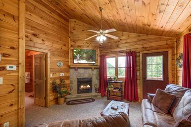 Tender Moments, 1 Bedroom, Private, Mountain View, Hot Tub,  Sleeps 2