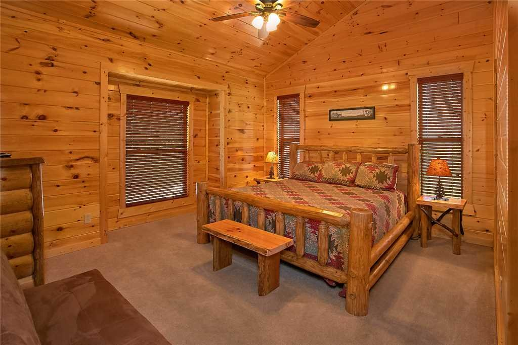 Photo of a Pigeon Forge Cabin named Awesome View Lodge - This is the twentieth photo in the set.