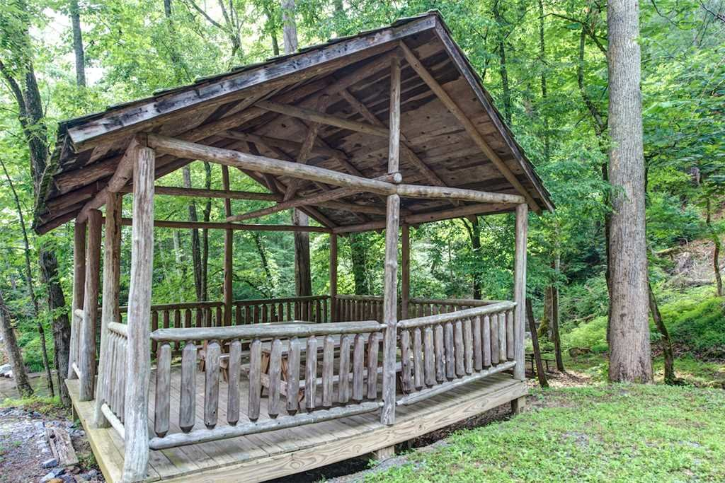 Photo of a Pigeon Forge Cabin named Whispering Secrets - This is the nineteenth photo in the set.