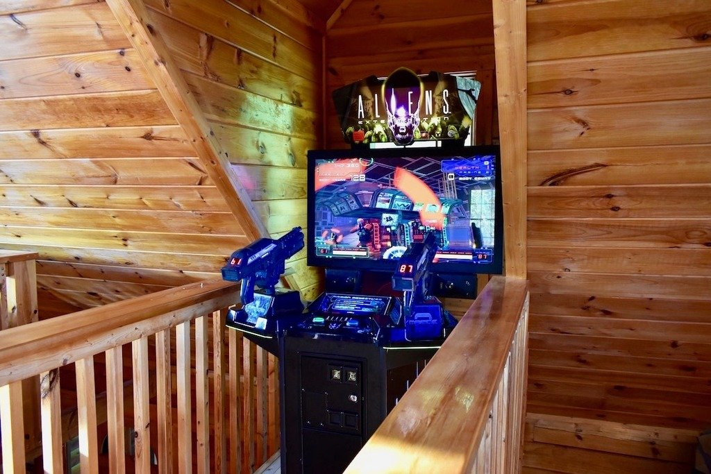 Photo of a Pigeon Forge Cabin named Grand Mountain Splash - This is the twelfth photo in the set.