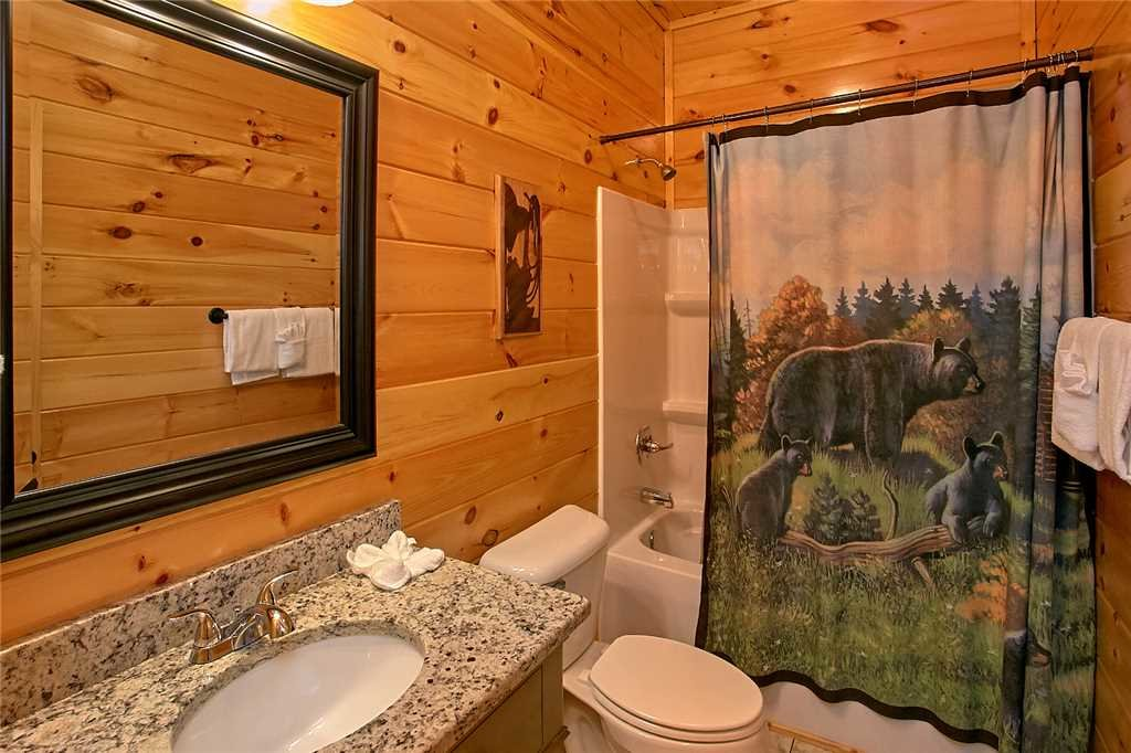 Photo of a Pigeon Forge Cabin named Awesome View Lodge - This is the nineteenth photo in the set.