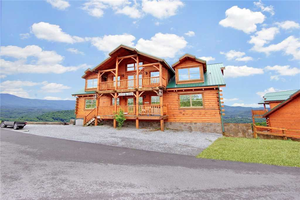 Photo of a Pigeon Forge Cabin named A Diamond In The Sky - This is the second photo in the set.