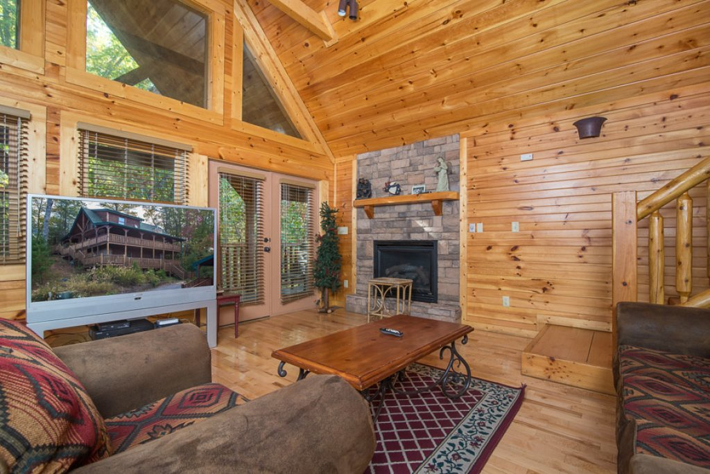Photo of a Gatlinburg Cabin named Angel's Rest - This is the second photo in the set.
