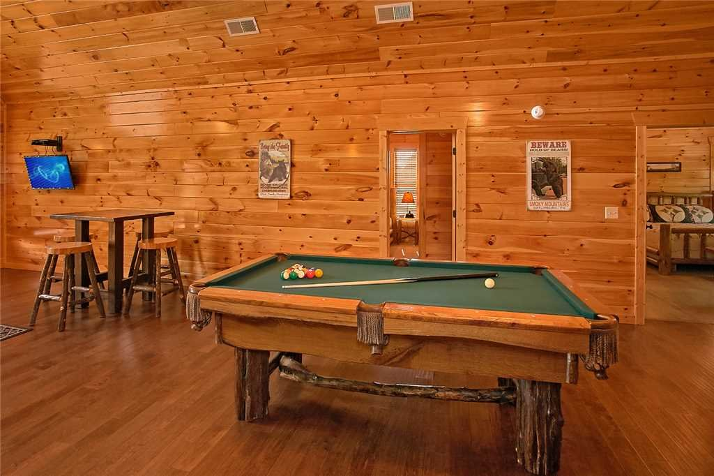 Photo of a Pigeon Forge Cabin named Awesome View Lodge - This is the thirteenth photo in the set.