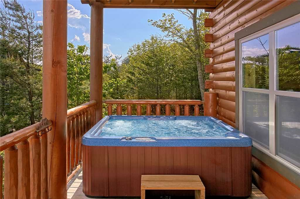 Photo of a Pigeon Forge Cabin named Awesome View Lodge - This is the thirty-first photo in the set.